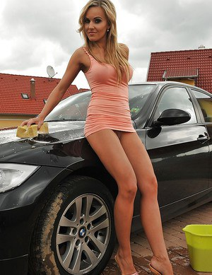 hot babes nude with cars